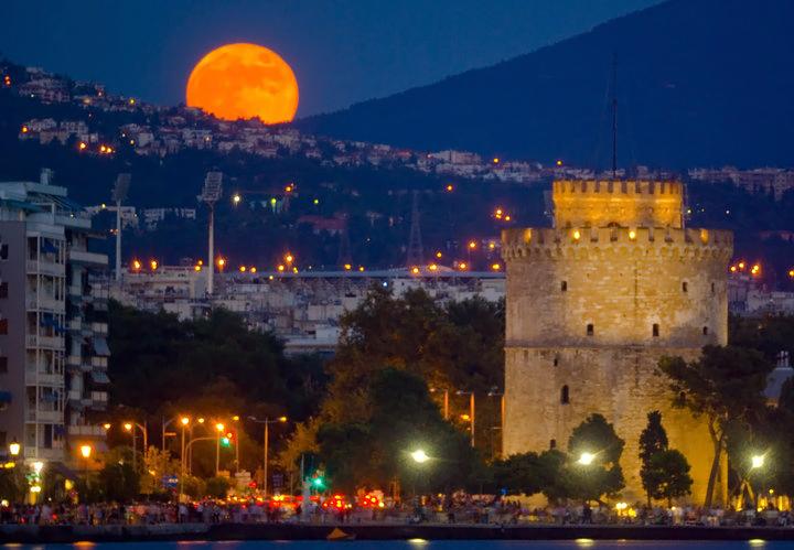 Λ Πύργος νυχτα 1